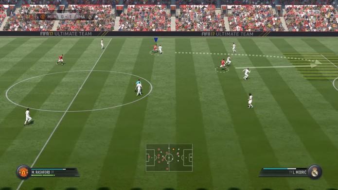 Quase inútil no Fifa 16, passe em profundidade voltará com tudo no Fifa 17 (Foto: Reprodução/YouTube)