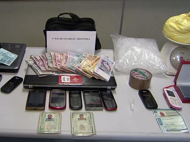 Quatro suspeitos de integrar quadrilha de tráfico são presos no litoral de SP (Foto: Reprodução/TV Tribuna)