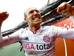 Robben comemora gol do Bayern contra o Nuernberg (Foto: Reuters)