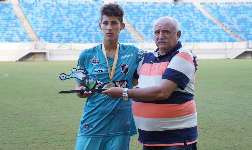 Gabriel Araújo, do ABC, foi o goleiro menos vazado do Campeonato Potiguar Sub-15 (Foto: Augusto Gomes/GloboEsporte.com)