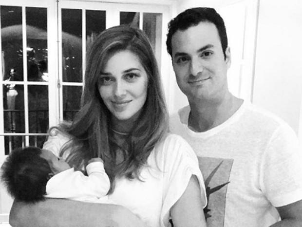 Ana Beatriz Barros, Karim El Chiaty, e o filho, Karim (Foto: Reprodução/Instagram)