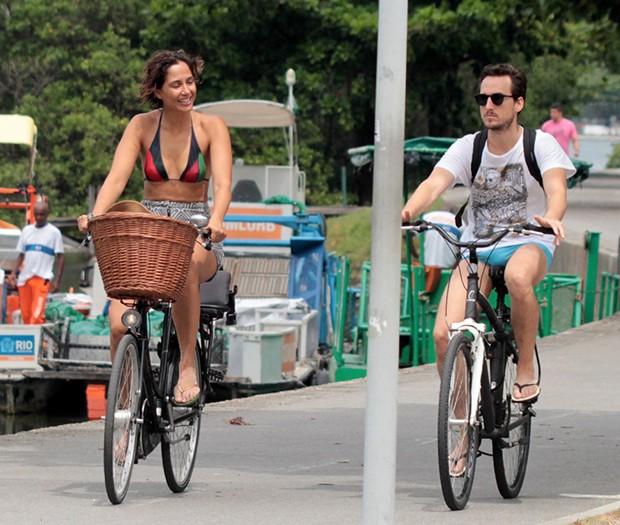Camila Pitanga e Igor Angelkorte (Foto: AgNews)