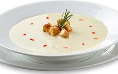 Sopa creme de três queijos