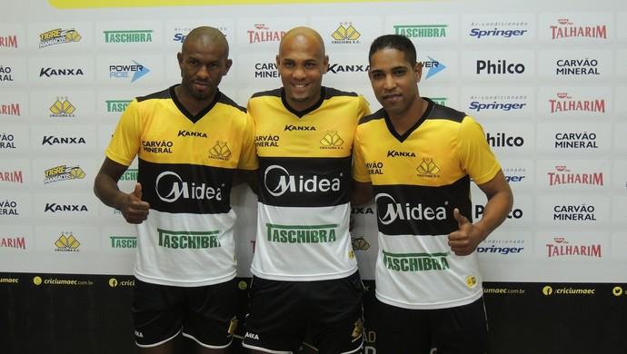 Alcides Souza Cleber Santana Criciúma (Foto: João Lucas Cardoso)