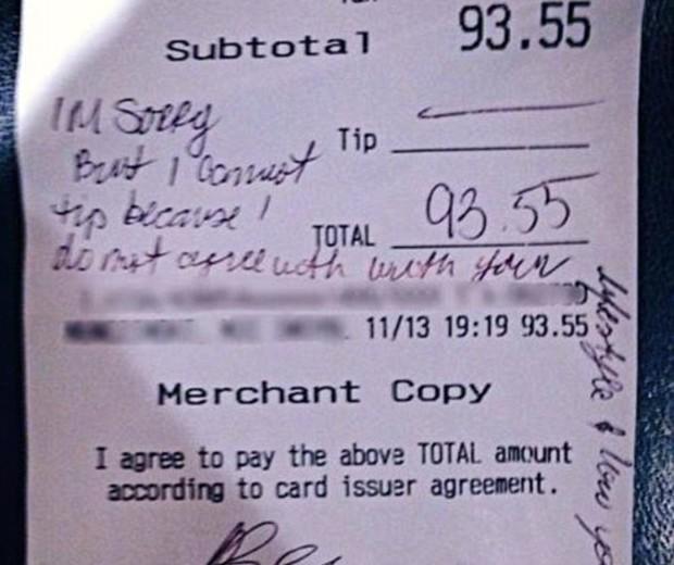 """Na conta da mesa, o casal afirmou que não poderia deixar uma gorjeta para a garçonete por """"não concordar com seu estilo de vida"""" (Foto: facebook)"""
