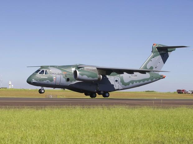 KC-390 Faz Seu Voo Inaugural