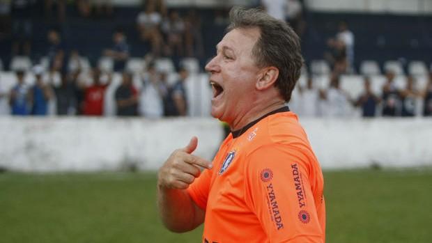 Edson Gaúcho teve estrela e mexeu bem no time contra o Náutico-RR (Foto: Marcelo Seabra / O Liberal)