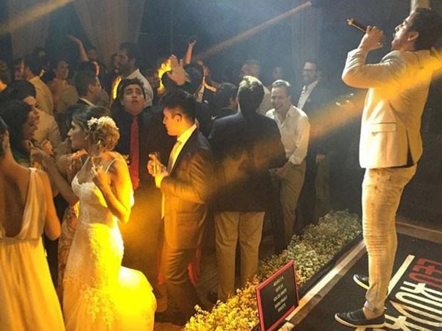 Cantor Leo Rodriguez fez show em casamento bancado por desvios da Lei Rouanet (Foto: Hermann Motta/Arquivo pessoal)