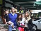 Flávia Alessandra e Otaviano Costa comemoram aniversário da filha