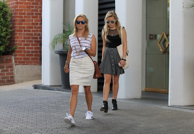 Reese Witherspoon com a filha Ava Phillippe  (Foto: AKM-GSI)