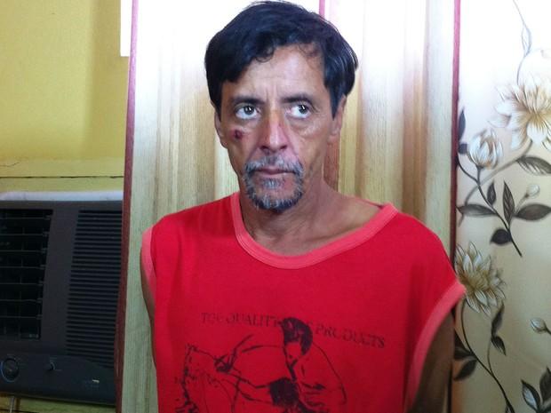 José Augusto Barbosa estava foragido e foi preso em um sítio em Montes Claros (Foto: Michelly Oda / G1)