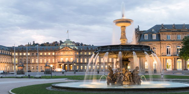 The Schlossplatz City Square in Stuttgart at early morning. HDR Look (Foto: Getty Images/iStockphoto)