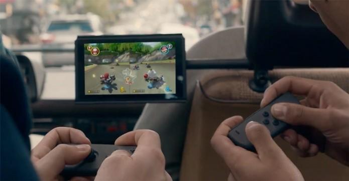 Switch permite jogar com os amigos mesmo em seu modo portátil (Foto: Divulgação/Nintendo)