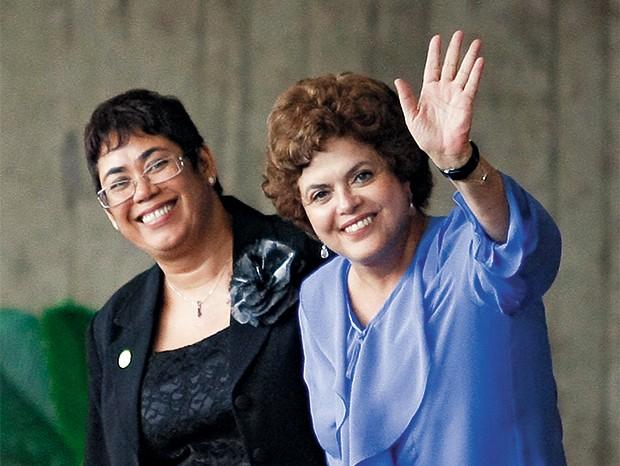 HERDEIRA Dilma após  a transmissão  do cargo de  ministra da Casa Civil a Erenice Guerra. Meses depois, Erenice caiu devido a um escândalo de corrupção  (Foto: Sérgio Lima/Folhapress)