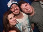 Ex-BBBs Max, Andressa e Nasser curtem balada juntos no Rio