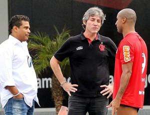 Assis Paulo Cesar Coutinho e Deivid treino Flamengo (Foto: Cezar Loureiro / Agência o Globo)