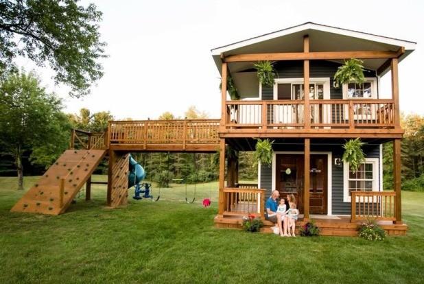 A casa construída por Adam para as filhas (Foto: Reprodução - Facebook)