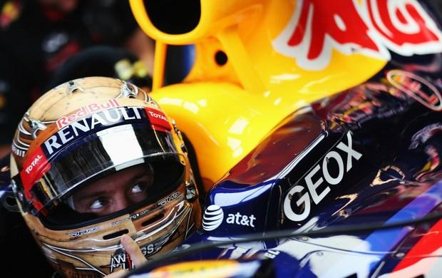 Sebastian Vettel e seu capacete temático sobre o Texas, em Austin, no GP dos Estados Unidos (Foto: Getty Images)