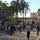 Marcha para Jesus já reúne participantes na Praça da Luz (Letícia Mendes/G1)
