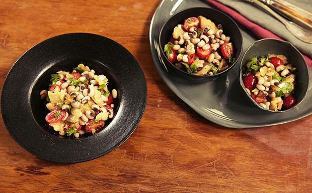 'Cozinha Prtica 4 Temporada' - Ep. 1 - Salada de bacalhau com feijo (Foto: Editora Panelinha/Gilberto Jr.)