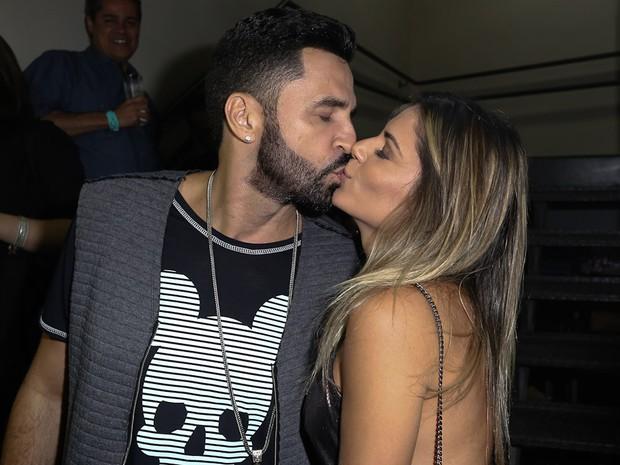 Latino e Fabiana Araújo em show em São Paulo (Foto: Cláudio Augusto/ Brazil News)