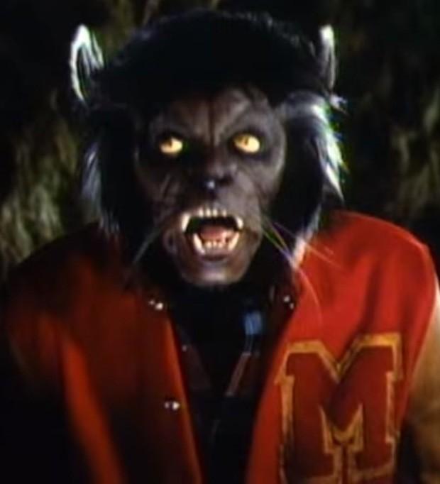 Michael Jackson vira lobisomem em clipe de Thriller (Foto: Reprodução)