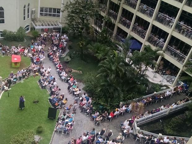 Memorial de Santos ficou lotado no Dia de Finados (Foto: Rafaella Mendes/G1)