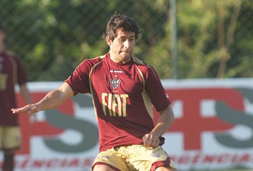 Ex- atacante do Galo, Raphal Aguiar faleceu aos 29 anos em consequência de agravamento de câncer no joelho (Foto: Divulgação)