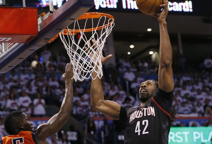 Nenê, Oklahoma City Thunder x Houston Rockets (Foto: AP)