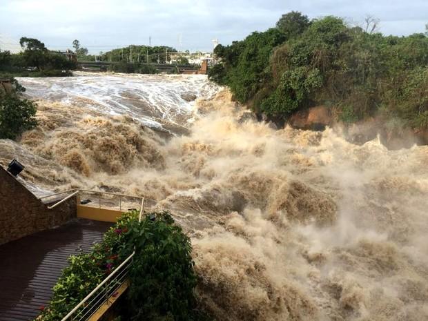 Nível do Rio Tietê em Salto subiu após chuvas (Foto: João Conti Neto/Arquivo pessoal)