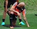 Único selecionável no CT, Fábio Santos treina, e Galo fecha preparação