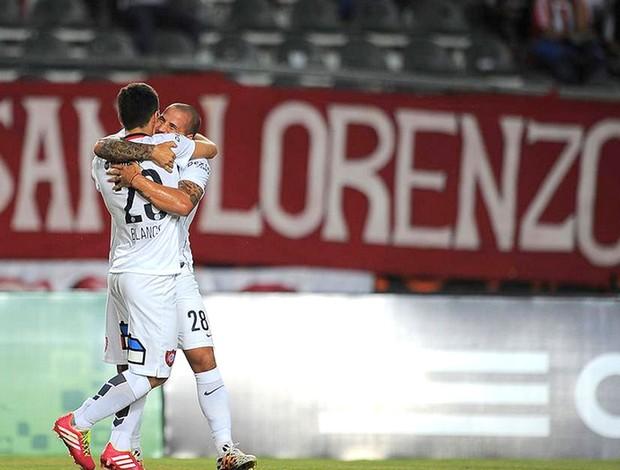 comemoração do San Lorenzo contra o Estudiantes