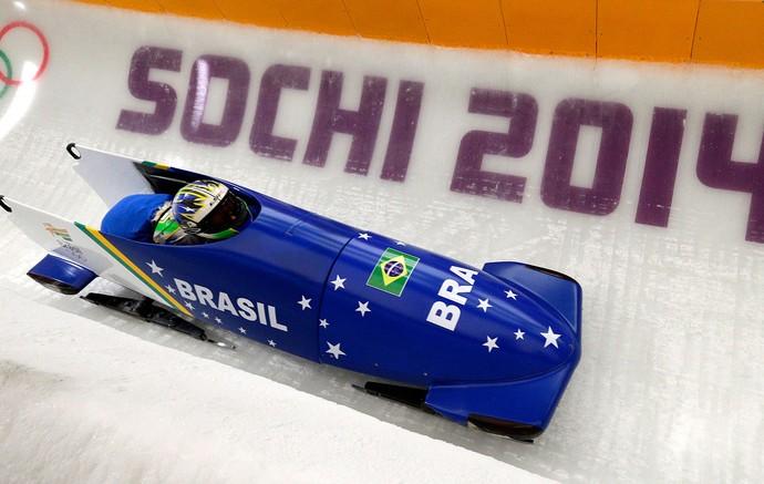 SOCHI fabiana santos bobsled (Foto: Agência AP)