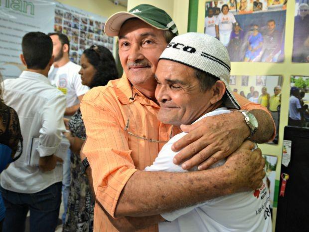 Irmãos se separaram depois que a mãe foi diagnosticada com hanseníase e internada compulsoriamente (Foto: Caio Fulgêncio/G1)