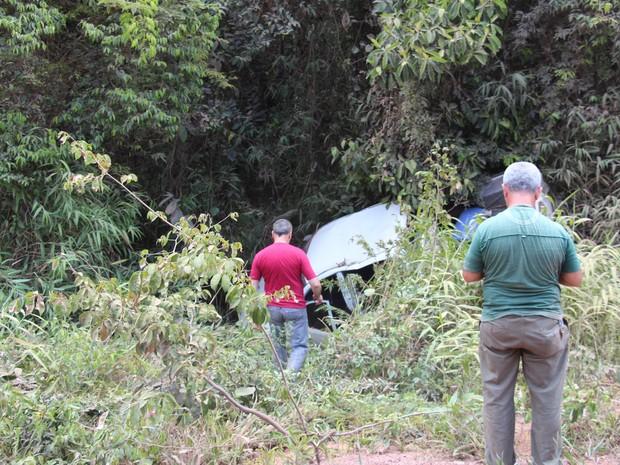 Veículo capotou 6 vezes e se chocou com árvore (Foto: Manoel do Vale/Arquivo Pessoal)