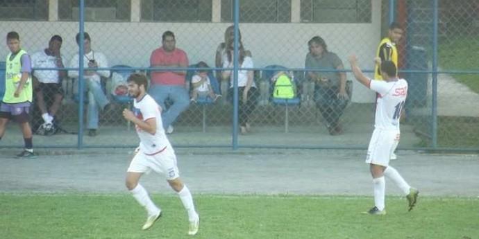 Luis Felippe comemora gol da vitória do Frizão (Foto: Vinicius Gastin/Divulgação)