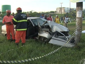 acidente na avenida paralela, em salvador, bahia (Foto: Reprodução/TV Bahia)