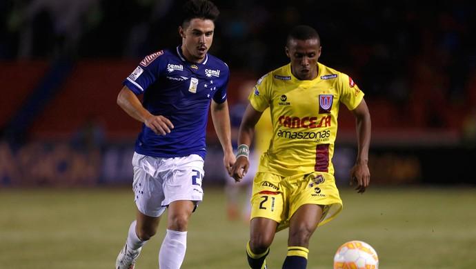 Willian, Cruzeiro x Universitário de Sucre (Foto: AP)