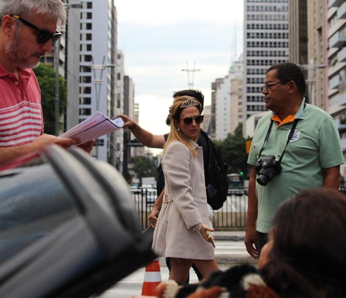 Equipe reunida na gravação de Haja Coração na Avenida Paulista (Foto: Ariane Ducati/Gshow)