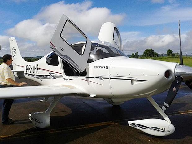 Amigo mostrou foto de aeronave em que colega estava (Foto: Arquivo pessoal)