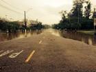 Chuva aumenta nível de rios e tira mais de 100 famílias de casa no RS