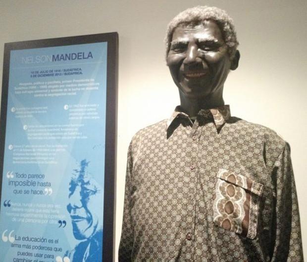 Estátua de cera de Nelson Mandela (Foto: Reprodução)