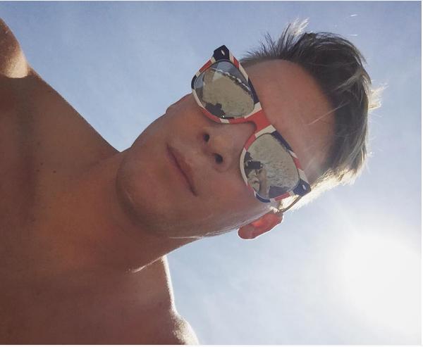 O cineasta Dustin Lance Black no Rio de Janeiro (Foto: Instagram)