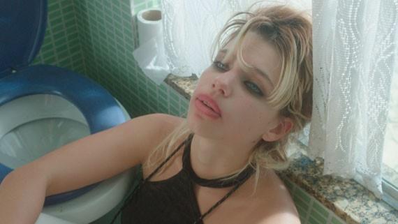 Bruna mostra seu lado dark também no cinema (Foto: Divulgação)