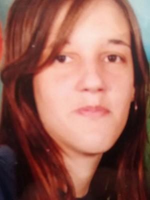 Natália, tia da menina, já foi encontrada morta pelos bombeiros de Teresópolis (Foto: Claucio Mizael / Rádio Teresópolis)