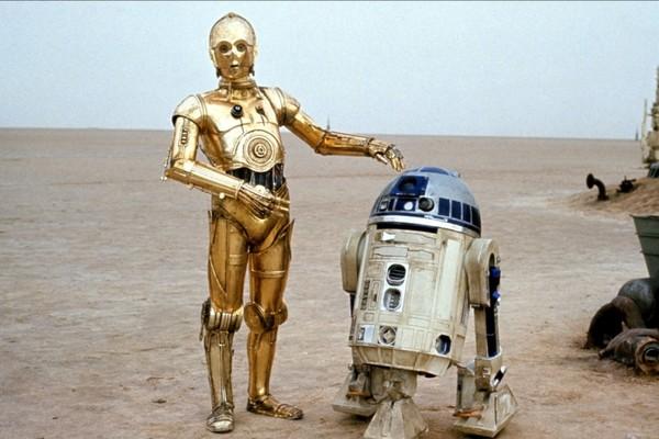 C3P-O e R2-D2, interpretados por Anthony Daniels e Kenny Barker (Foto: Reprodução)