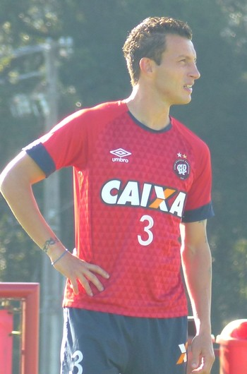 Gustavo Atlético-PR (Foto: Thiago Ribeiro)