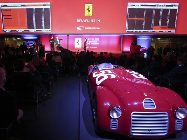 CEO da Fiat Chrysler participa da abertura  (Foto: REUTERS/Stefano Rellandini)