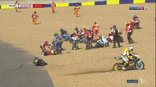 Dezessete pilotos da Moto3 se envolvem em acidente na França