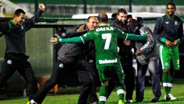 tiago luis chapecoense gol palmeiras (Foto: Jardel da Costa / Agência Estado)